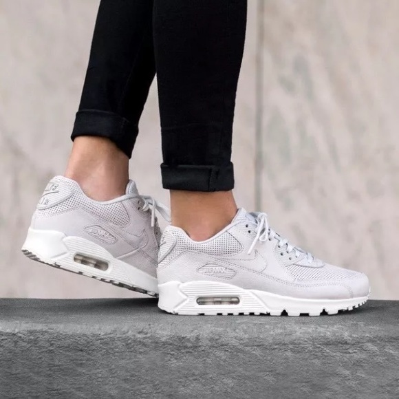 Women's Nike Air Max 90 Pinnacle Sneakers NWT